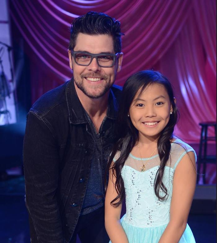 Jason Crabb and Kenzie Walker pose for a photo
