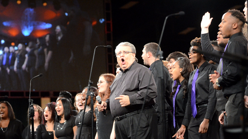 Steve Hurst and Bethel University's Renaissance Choir