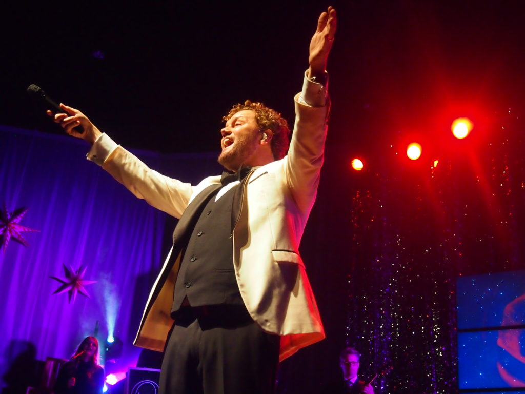 It Must Be Christmas when David Phelps sings in December. Photo by John Herndon