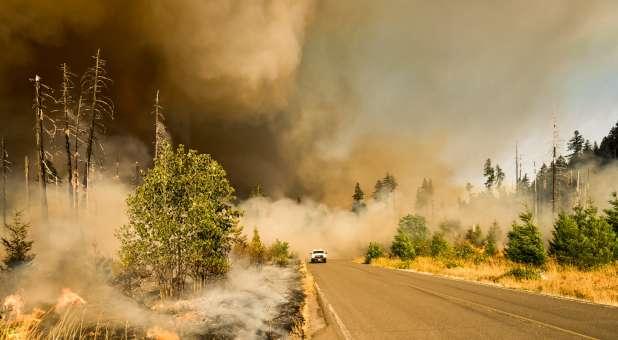 Israel on Fire (Photo by Marcus Kauffman on Unsplash)